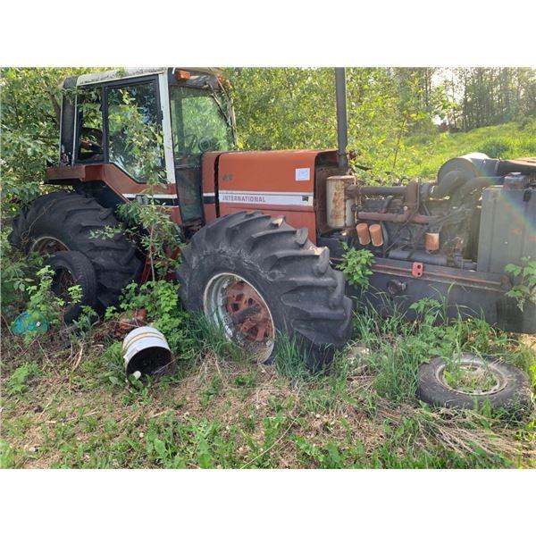 2 - IHC 2+2 Tractors for parts