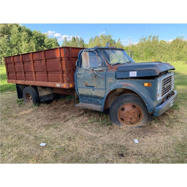GMC 950 Grain truck