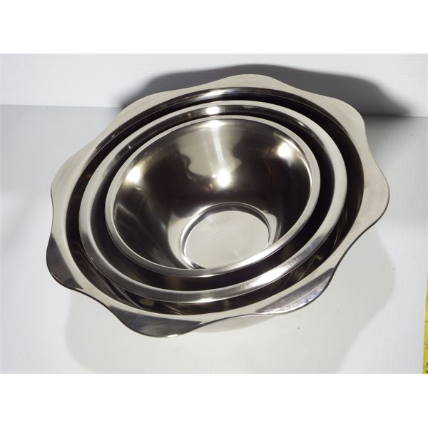 Lot of 3 New Stainless Steel Mixing Bowls- One of ea, 3 Qt, 5 Qt and 8 Qt