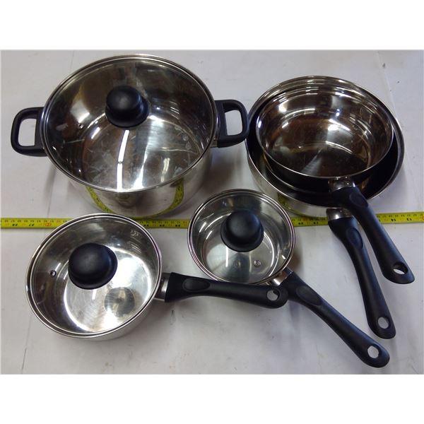 Set of Pots & Pans - Dutch Oven w Lid, 2 Sauce Pans, 2 Small Pots w Lids