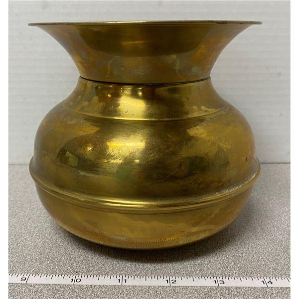 """Small brass spittoon 5.5"""" X 5.5"""""""