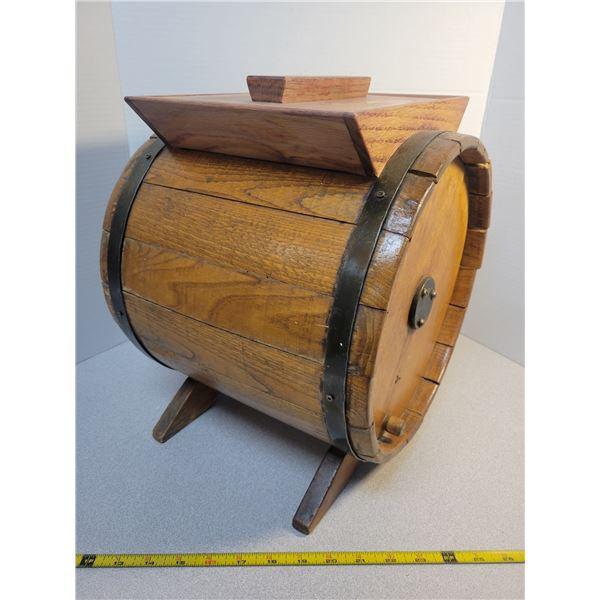 Vintage wooden butter churn (barrel)