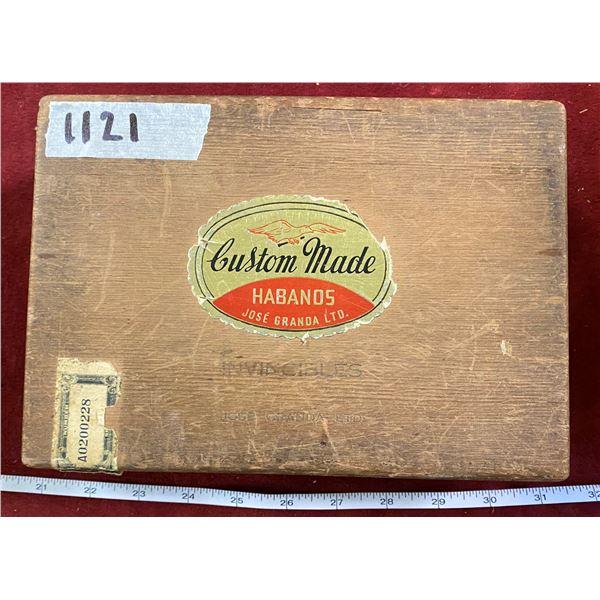 Vintage Habanos Wooden Cigar Box
