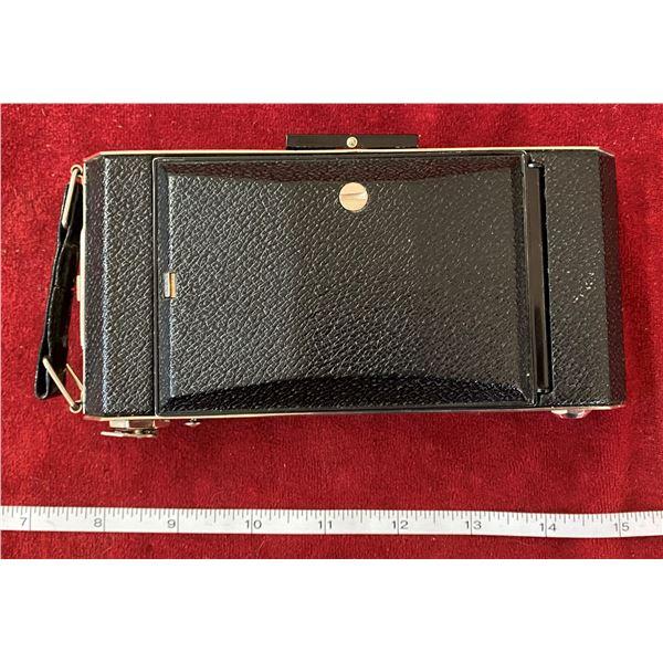 Vintage Kodak Six-16 Folding Camera In Good Condition