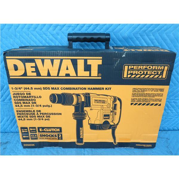 DeWalt D25703K SDS-Max Rotary Hammer Kit  New in Box