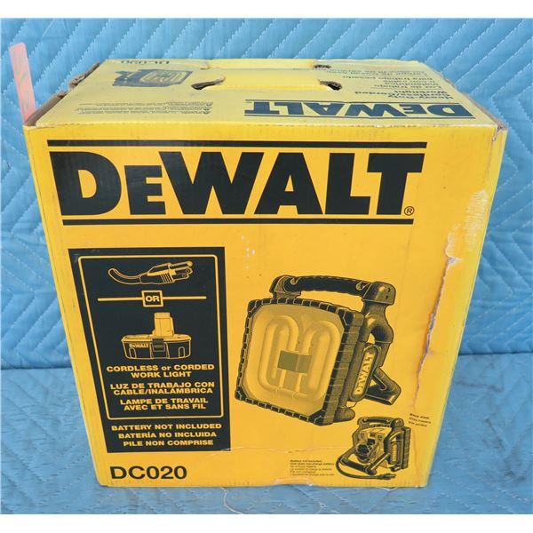 DeWalt DC020 Heavy Duty Single Work Light  New in Box