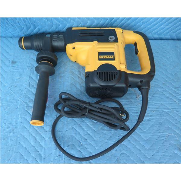 DeWalt D25501K SDS-Max Rotary Hammer