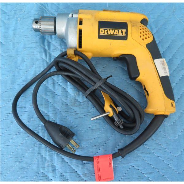 """DeWalt DW217 1/4"""" Drill VSR 0-400"""
