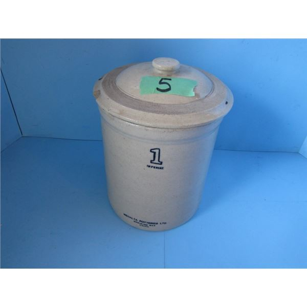 Medalta one gallon crock - with lid.