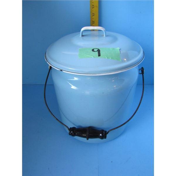 enamel wear Chamber pot with lid