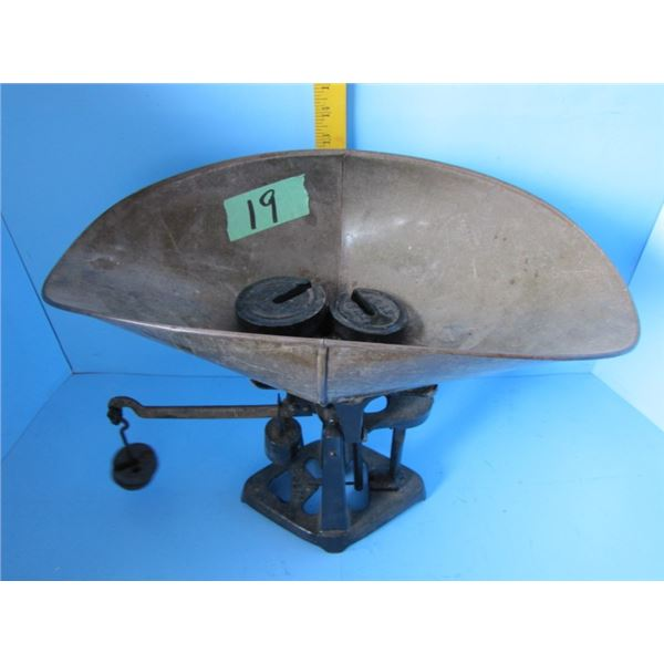 BS&M counter weigh scale with brass beam