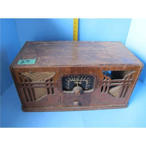 Viking tabletop radio - wood case - manufactured for the T Eaton company, battery operated, missing