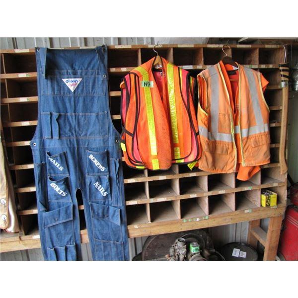 lot of Safety vests