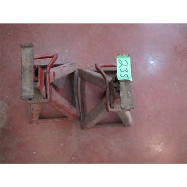 lot of two jacks stands
