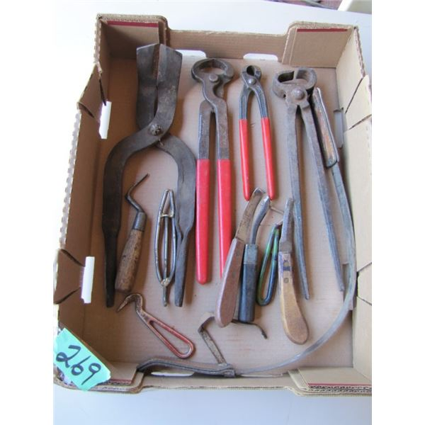 lot of hoof trimmers pics knives etcetera