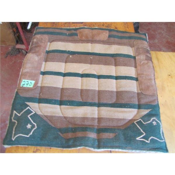saddle pad 30x 30approximately