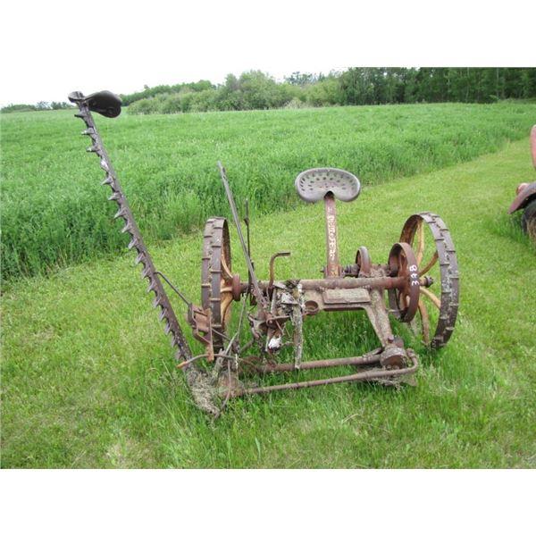 Cockshutt 5 foot sickle mower, steel wheels