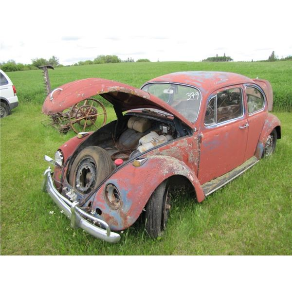 Volkswagen bug - no motor -  for parts - don't know what the parts in it fit  -- NO TOD
