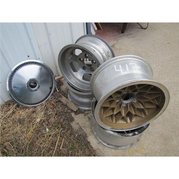 lot with 4 aluminum hubs