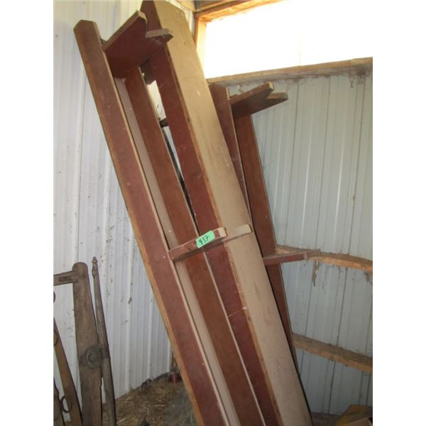 """lot with four wooden benches -- 1) 10' ; 1) 9'6"""" ; 2) 8' approx"""