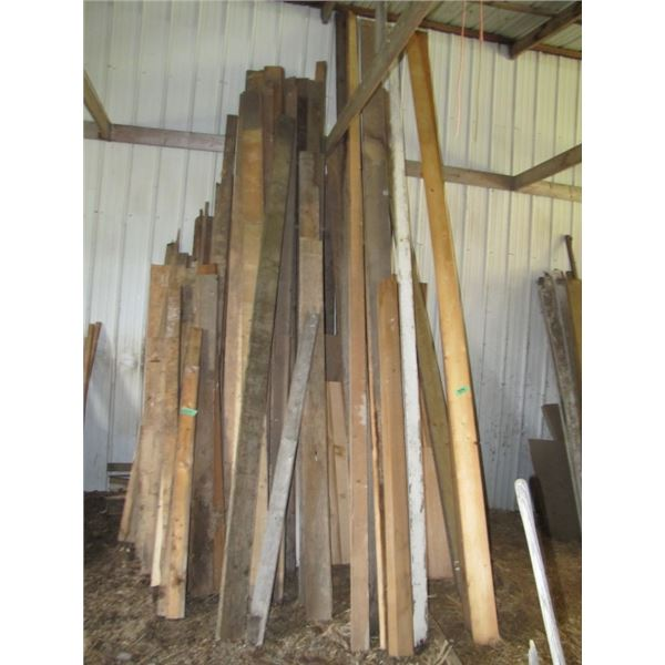 lot of assorted lumber 4x4, 2 by 6 excetera