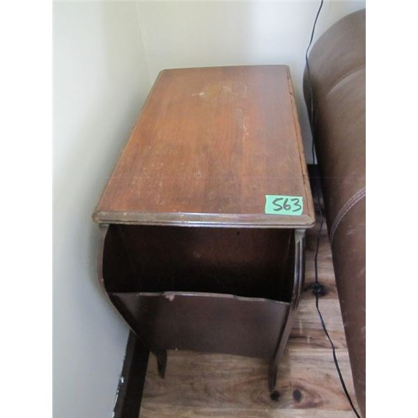 wood end table / magazine rack