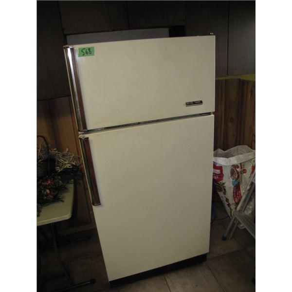 Frididaire refrigerator