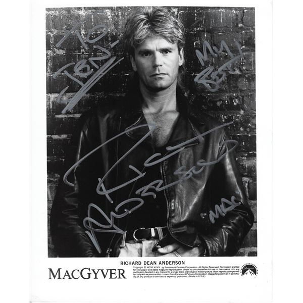 MacGyver Richard Dean Anderson signed photo