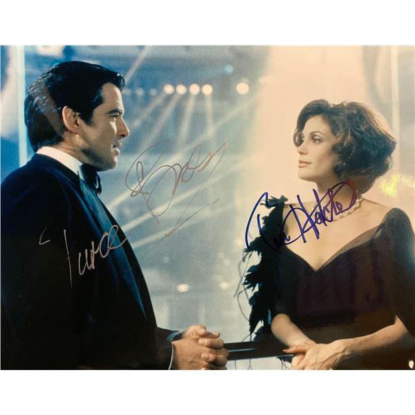Tomorrow Never Dies Pierce Brosnan and Teri Hatcher signed movie photo