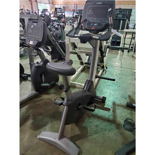 CYBEX 625C COMMERCIAL SELF POWERED UPRIGHT BIKE WITH DISPLAY
