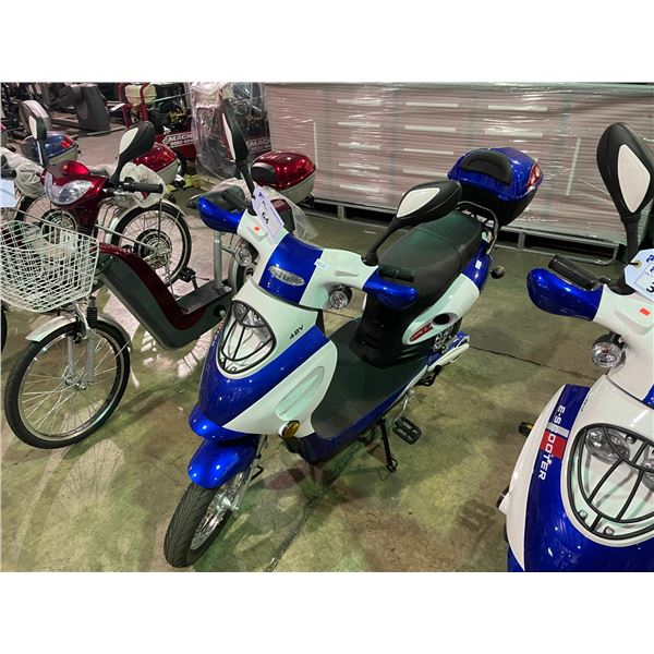 WHITE/BLUE E-70RR ELECTRIC SCOOTER 220LBS CAPACITY, MAX SPEED 32KM/H