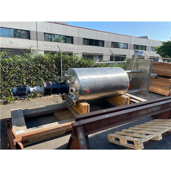 LARGE STAINLESS STEEL COMMERCIAL DOUBLE WALLED BREWERY TANK H13' X W4' WITH AGITATOR AND METAL BASE
