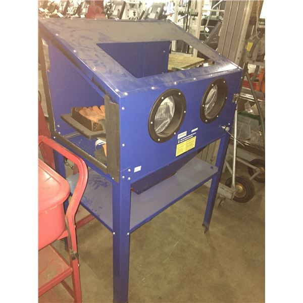 POWER FIST 8046492 FLOOR MODEL SANDBLASTING CABINET WITH HARDWARE