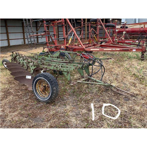 Older J.D. 5 Bottom Plow w/Cyl.