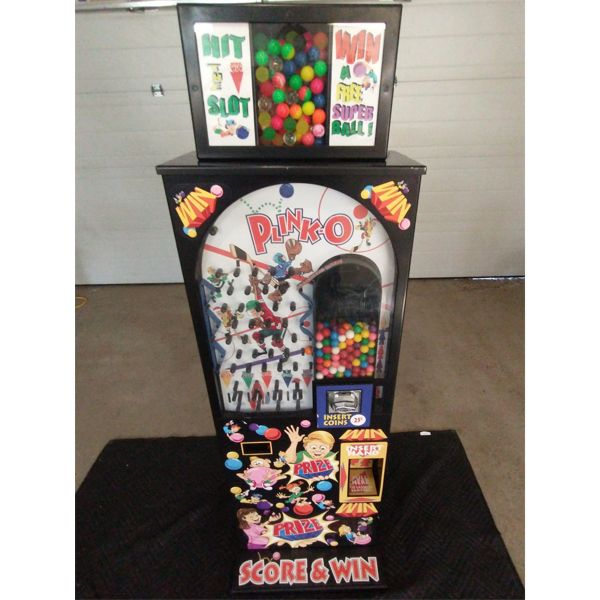NO RESERVE! Plinko, hockey themed gumball prize machine