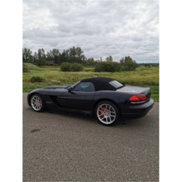 2004 DODGE VIPER CONVERTIBLE ONLY 34,185 KMS