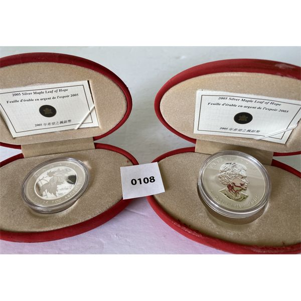 LOT OF 2 - 2005 CND SILVER 5$ MAPLE LEAF COINS - 1 OZ 99.99% PURE