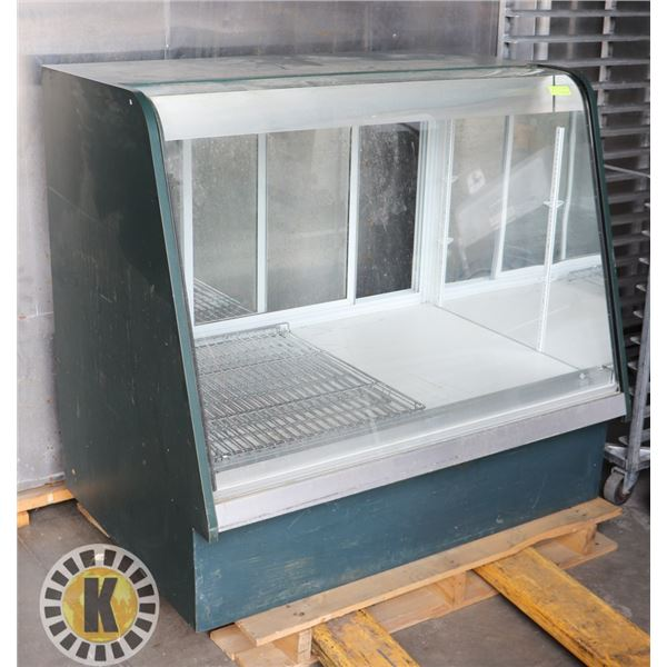 CURVED GLASS DISPLAY CASE- NO REFRIGERATION