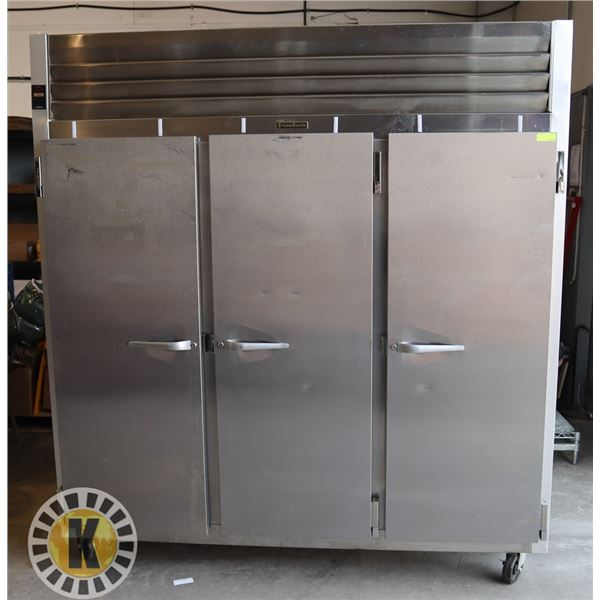 TRAULSEN 3 DOOR UPRIGHT COMMERCIAL COOLER- CLEAN, TESTED, WORKING