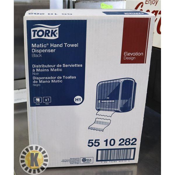 TORK M ATIC HAND TOWEL DISPENSER 55 10 282
