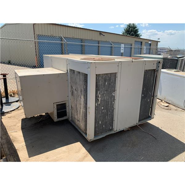 COMMERCIAL ROOFTOP AIR UNIT