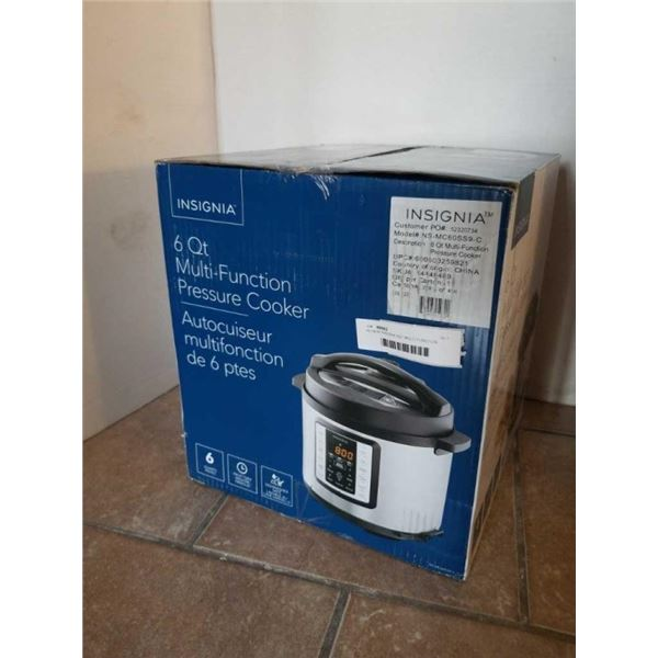 AS NEW INSIGNIA 6QT MULTI FUNCTION PRESSURE COOKER