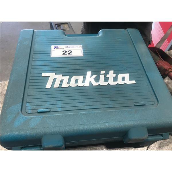 MAKITA LXT211 18V SCREW GUN WITH 1 BATTERY & CHARGER