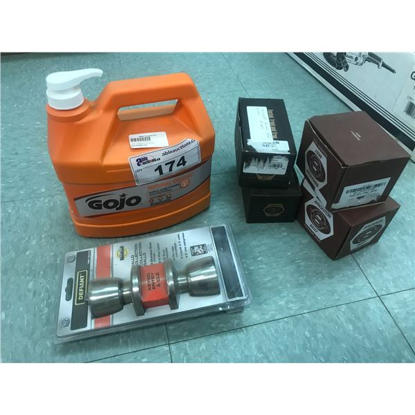 JOGO HAND CLEANER, 4 BOXES OF SPECIALITY RIVETS & DEFIANT KEYED DOOR KNOB