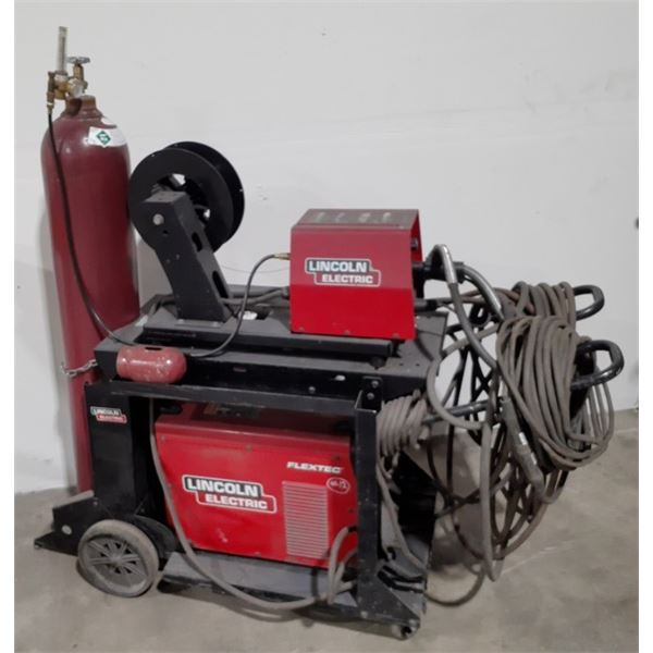 LINCOLN ELECTRIC FLEX TEC 450  WELDER WITH LF-74 WIRE FEED WITH MOBILE CART