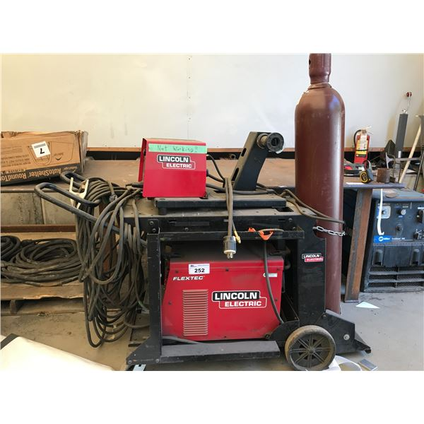 LINCOLN FLEXTEC 450 WELDER WITH LF-74 WIRE FEED (WIRE FEED NOT WORKING)