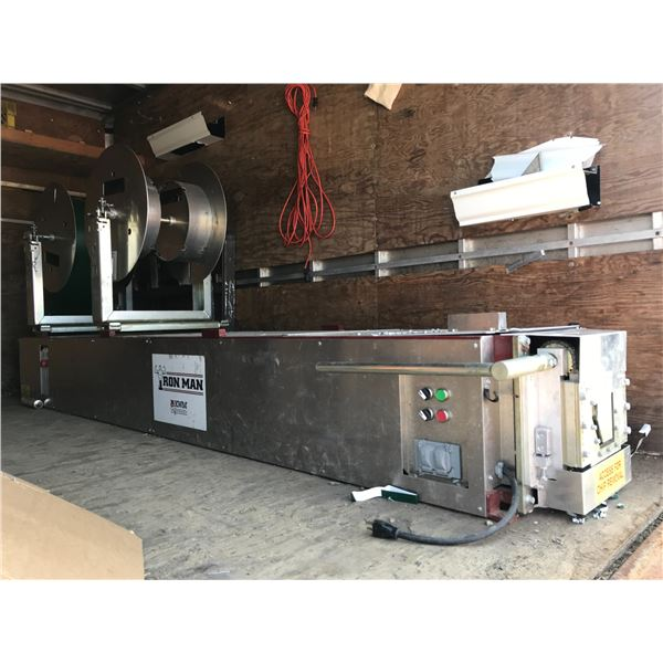 IRON MAN KWM GUTTERMAN, GUTTER FABRICATOR, GOOD CONDITION, BARELY USED, INCLUDES 4 RUNOUT STANDS,