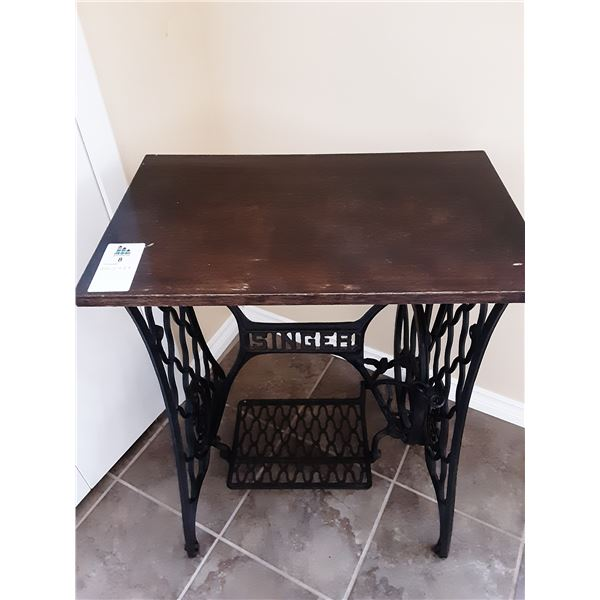 Singer Table C