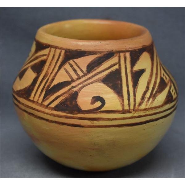 HOPI INDIAN POTTERY JAR (ANITA POLACCA)