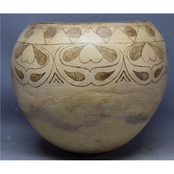 PAPAGO INDIAN POTTERY JAR